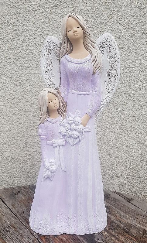 Andělka LUKRECJA  s holčičkou, fialová
