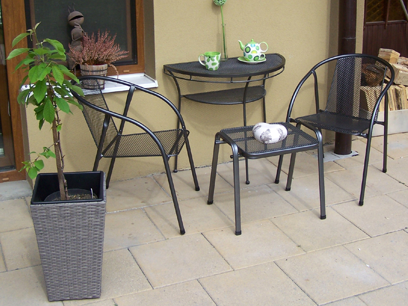 Zahradní kovová balkonová sestava IRIS II. 1+2 PŮLSTOLEK
