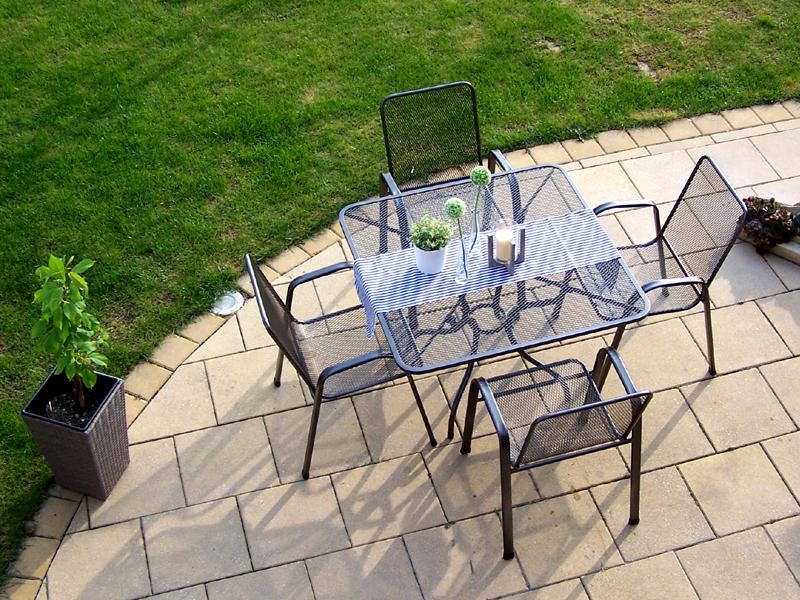 Zahradní kovová sestava SÁGA II. 1+4 TAKO 105x105