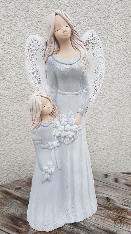 Andělka LUKRECJA  s holčičkou, šedá